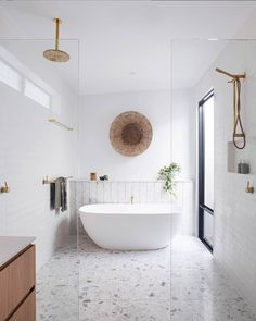 How unique is this bathroom layout?⠀⠀⠀⠀⠀⠀⠀⠀⠀ ⠀⠀⠀⠀⠀⠀⠀⠀⠀ Photo via . Reece Bathroom, Bathroom Spa, Bathroom Toilets, Bathroom Ideas, Family Bathroom, Bathroom Layout, City Bathrooms, Upstairs Bathrooms, Narrow Bathroom