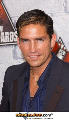 Jim Caviezel - ohhhhhh yeah, although I doubt in a million years he'd ever do it.