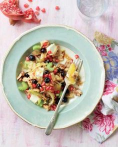 Blueberry Superfood Salad by Clodagh McKenna, taken from CLODAGH'S KITCHEN DIARIES Superfood Salad, Superfoods, Diaries, Salad Recipes, Potato Salad, Blueberry, Oatmeal, Breakfast, Ethnic Recipes