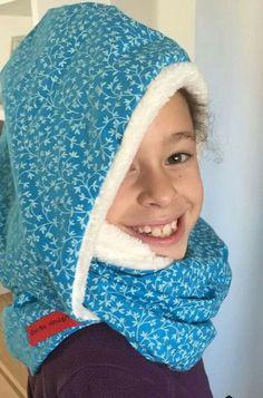 BUF ESPECIAL - OLA DE FRÍO A LA VISTA Se trata de un buf más capucha para poder salir a la calle con esta ola de frío que anuncian últimamente.  Www.drapsdesign.com/es/buf-especial-ola-frio Crochet, Fashion, Going Out, Cowls, Bed Drapes, Moda, La Mode, Crochet Crop Top, Fasion