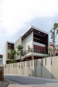 Nhà phố đẹp hướng tây bốn mùa xanh mát