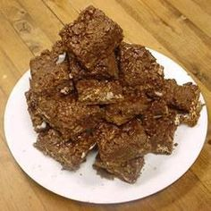 This slice is a family favourite. So easy to prepare and no baking reuqired. A rich chocolate fix! Chocolate Fudge Slice, Braised Short Ribs, Fudge Cake, Baking With Kids, Fabulous Foods, High Tea, Diy Food, Tray Bakes, Baking Recipes