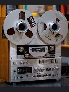 SONY TC-880-2 - www.remix-numerisation.fr - Rendez vos souvenirs durables ! - Sauvegarde - Transfert - Copie - Digitalisation - Restauration de bande magnétique Audio - MiniDisc - Cassette Audio et Cassette VHS - VHSC - SVHSC - Video8 - Hi8 - Digital8 - MiniDv - Laserdisc - Bobine fil d'acier - Digitalisation audio