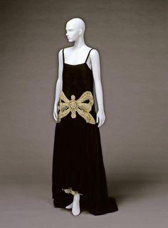 Evening dress by Jeanne Lanvin, 1924, Kobe Fashion Museum
