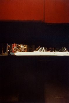 -Saul Leiter, Through Boards, 1957. © Saul Leiter, Courtesy Howard Greenberg Gallery, New York