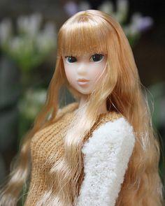 Warm girl. Day in the sun. #momokoph #momokodoll #momoko #picoftheday #doll #dollphotography #picbynatts #dollstagram #dolly #dollfromjapan #dollinstagram #instadoll #instadolls #dollartistry #toyartistry_elite | by little dolls room