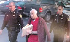 Jerry Sandusky arrives for the start of his appeals hearing - 01.10.13 (WHP-TV)