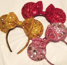 WARNING Extreme sparkles may cause temporary blindness!!! The pictures don't do this style justice. They're so sparkly you might have to wear sunglasses to look at them  #disney #disneyparks #disneyland #dca #wdw #disneylife #mouseears #customears #diamondears #disneycountdown #disneybound #disneyfun #etsy #magicalmakers #golddiamondears #goldears #makeitminnie by doodadsbydesign