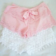 Pretty Tiered Lace Shorts