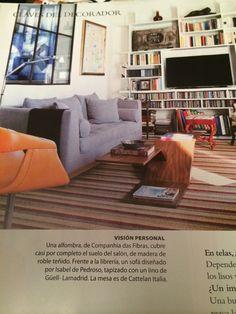 Sofá y alfombra