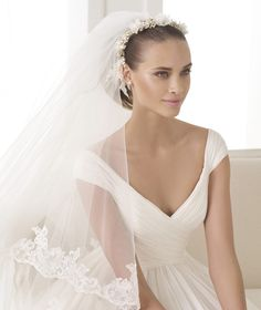 BELUGA - Wedding dress with gauze skirt. Collction 2015 FASHION   Pronovias