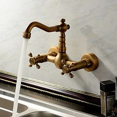 antique inspirée robinet de cuisine - fixation murale (finition laiton antique) F0415E