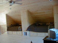 Incredible Attic bedroom bunk beds,Attic apartment renovation and Attic storage above garage. Attic Bed, Attic Playroom, Garage Attic, Attic Floor, Attic House, Attic Ladder, Attic Window, Loft Room, Bedroom Loft