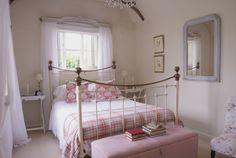 Pretty Bedroom - Jo Sheldrake Photography  ~ lovingly repinned by www.skipperwoodhome.co.uk