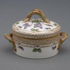"Royal Copenhagen Flora Danica Porcelain Covered Sugar Bowl titled ""Viola odavata L"", circa 1959, Height 3 inches"