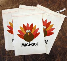 Turkey Favor Bags - Thanksgiving Placecards / Thanksgiving Table Setting / Kids Holiday Decor / Turkey Goodie Bag / Favor Gift Treat Bags by ScrapendipityBags Thanksgiving Place Cards, Thanksgiving Table Settings, Thanksgiving Treats, Holiday Tables, Goodie Bags, Treat Bags, Party Bags, Party Favors, Wedding Favor Bags