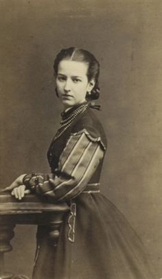 Portraits from the atelier of Teodor Szajnok (1833-1894): Young countess Julia Potocka (later Branicka), c. 1875 [via Polona].