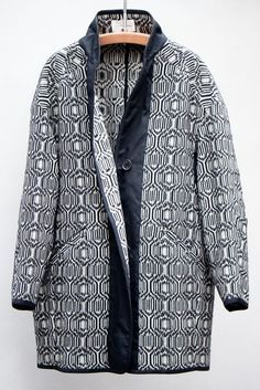 Isabel Marant cocoon shaped coat in black and white My Life Style, Style Me, Isabel Marant, High Fashion, Winter Fashion, Style Fashion, Textiles, Coat Patterns, Couture
