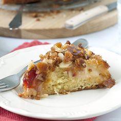 Ondersteboven cake met pruimen en nectarines