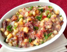 Mungunzá com carne seca (canjica amarela salgada, típica doNordeste)