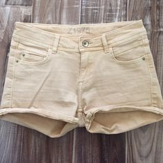 Zara Denim shorts! Zara denim shorts! Nude/pink color! 2.5 inch inseam. Great condition! Think spring and summer!  These have some stretch to them too! Zara Shorts Jean Shorts