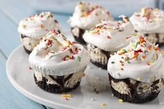 "OREO Ice Cream ""Cupcakes"" recipe. You could totally switch the ice cream with different flavors. I like how they look!"