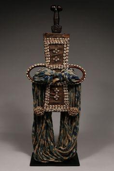 Ornamental Prestige Sword in Scabbard Bamum / Bamiléké / Tikar, Cameroon Grasslands :: ERTribal Wood Sculpture, Tribal Art, Small Groups, Sword, Perfume Bottles, Ornaments, Guns, Perfume Bottle, Christmas Decorations