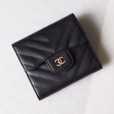 Chanel A82288-17 Classic Small Pocket Flap Wallet