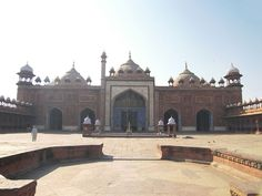 Jama Masjid or friday mosque - Agra is located near Agra Fort. The Jama Masjid was built by Shah Jahan in century and it is one of the larger mosques in India. Jama Masjid, Agra Fort, India Culture, Indian Architecture, Historical Monuments, Grand Mosque, Hindu Temple, India Travel, Heritage Site