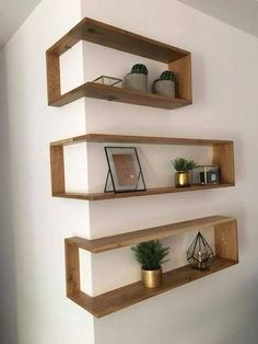 Favourite & Easy Diy Pallet Wall Art Ideas - Home/Decor/Diy/Design Bookshelves Diy, Modern Decorative Objects, Diy Wall Decor, Diy Home Decor, Diy Interior, Diy Pallet Wall Art, Modern Decor, Living Decor, Diy Home Decor On A Budget