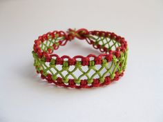 PATTERN Red and Green Lacy Macrame Knotted Bracelet tutorial. $3.99, via Etsy.