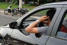 Multas por infração de trânsito ficam mais caras -   A legislação de trânsito fica mais rigorosa em todo Brasil a partir de 1º novembro. Com a entrada em vigor da Lei Federal 13.281, os valores de multas serão alterados e os prazos de suspensão do direito de dirigir aumentam. Seis novos artigos foram inseridos no Código de Trânsito Brasile - http://acontecebotucatu.com.br/geral/multas-por-infracao-de-transito-ficam-mais-caras/