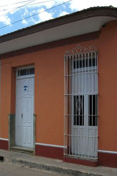 Hostal Margarita y Arocha  Owner:                   Margarita Sosa Monzón  City:                       Trinidad  Address:                 Francisco Javier Zerquera # 207 entre Marti y Francisco Petersen, Trinidad, Cuba  Breakfast:               Yes  Lunch / Dinner:       Yes  Number of rooms:   2
