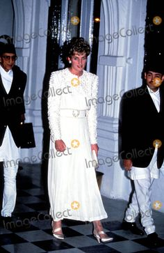 "Princess Diana ""the Jumble Queen"" Photo: Alpha-Globe Photos Inc 1993 Princessdianaretro"