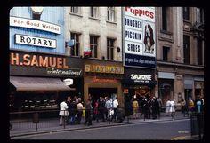 Oxford Street, London (1970).