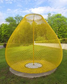 John Ruppert, Yellow Orb/Homage to Van Gogh, 2014, Stainless steel and powder-coated chain link, Courtesy of the artist, 122 inches high x 108 inches in diameter @ Katonah Museum of Art