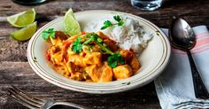 Thai-kylling i kokossaus - Oppskrift - Godt.no Asian Cooking, Frisk, Wok, Nom Nom, Recipies, Curry, Food And Drink, Cooking Recipes, Dishes