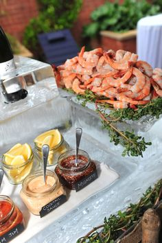 17 Ideas Wedding Food Seafood Appetizers For 2019 Seafood Party, Seafood Appetizers, Seafood Dinner, Seafood Boil, Wedding Appetizers, Seafood Soup Recipes, Seafood Buffet, Sauce Recipes, Bar Catering