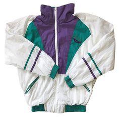 Veste streetwear   Disponibilité : ✅  Marque : No name  Couleur: Vert, blanc, violet  Taille : M  Etat : 9/10  Prix : 35€  Toutes les tailles sont pour hommes
