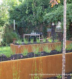 achtertuin bij jaren dertig woning Raised Beds, Garden Modern, Plants, Gardens, Outdoor, Outdoors, Modern Gardens, Outdoor Gardens, Flower Beds