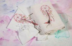 Λαδόπανο σε λευκό και εκρού χρώμα με διακοσμητικό κέντημα και αληθινά φτερά, annassecret, Χειροποιητες μπομπονιερες γαμου, Χειροποιητες μπομπονιερες βαπτισης