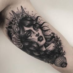 Mermaid Sleeve Tattoos, Mermaid Tattoo Designs, Cross Tattoos For Women, Tattoos For Guys, Mujeres Tattoo, Witch Tattoo, Goddess Tattoo, Queen Tattoo, Mother Daughter Tattoos