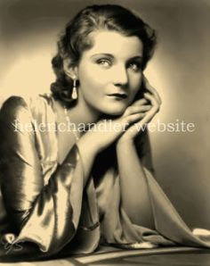 Helen Chandler (February 1906 – April was an American film and theater actress, best known for playing Mina Seward in the 1931 horror film Dracula. Classic Horror Movies, Classic Movie Stars, Horror Film, Vintage Hollywood, Hollywood Glamour, Hollywood Actresses, Classic Hollywood, Helen Chandler, Divas