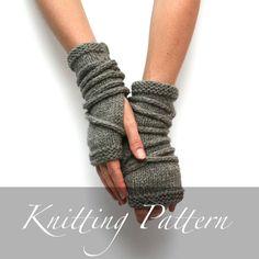 Gantelets Wrap - tricot motif - tricot gants - Apocalypse tricot - mitaines ouvert - Arm Warmers - gantelets motif - gants apocalyptiques - poignet poignets - tricot de longs gants - gants de laine - automne - hiver tricot - gants de la sangle de travail - gants Wasteland  Gants de fabuleux et amusants, avec de nombreuses utilisations en plus de garder les mains et les poignets au chaud. Les envelopper comment vous comme eux et sortez et lutter contre le froid, se faire plaisir en cosplay…