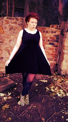black velour dress £32 -https://marketplace.asos.com/listing/dresses/vintage-style-collar-dress/1199481