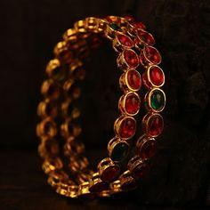 Gold Temple Jewellery, Gold Wedding Jewelry, Antique Necklace, Antique Jewelry, Gold Necklace, Ruby Bangles, Bangle Bracelets, Gold Bangles Design, Designer Bangles