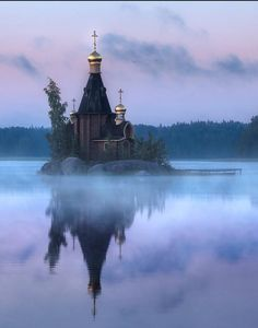 Church of St. Andrew the Apostle (Russia) by Mikhail Vorobyev Russian Architecture, Sacred Architecture, Cultural Architecture, Church Architecture, Beautiful Architecture, Architecture Design, Andrew The Apostle, Temple, Russian Orthodox