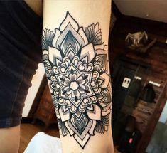 tatuaje mandala brazo
