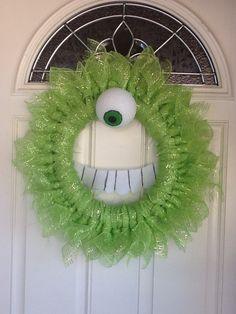 Monsters Inc Wreath wazowski Tissue Paper Ball, Paper Balls, Halloween Mesh Wreaths, Christmas Wreaths, Monster Mash, Monsters Inc, Front Door Decor, Deco Mesh, Holiday Decorations