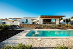 This luxury holiday villa for 10 people is ideal for several families or groups because it consists of two linked houses with two kitchens and two living rooms. There is also the possibility to rent the neighboring self-contained Quinta Priscila as well and thus accommodate 14 people. Luxury Holidays, Algarve, Villas, Cottages, Living Rooms, Families, Portugal, Kitchens, Villa